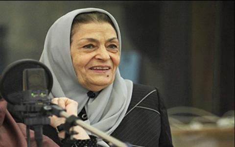 احترام ویژه جمشید مشایخی به ژاله علو در تولد ٩٠ سالگیش