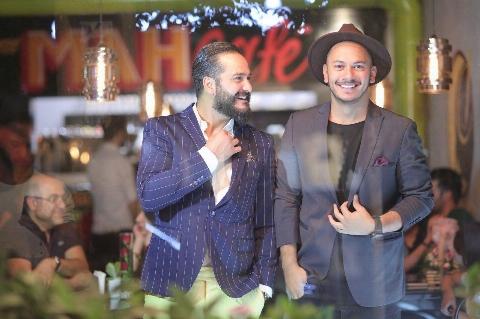 میلاد کی مرام و اَشوان، ستاره های خانُمانه ترین کافه تهران در شهرک غرب/مَه کافه، محبوب ترین پاتوق قهوه بازترین های شهر/گزارش یک جشن خوشمزه و پر انرژی