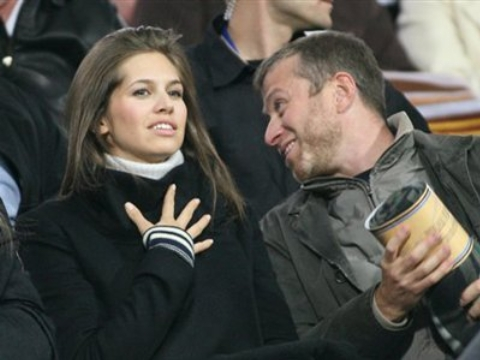 میلیاردر سرشناس فوتبال سومین همسرش را هم طلاق داد