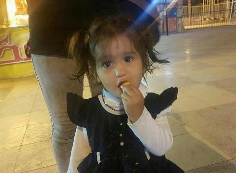 لحظه تاثیرگذار و احساسی دیدار ملیکا دختر گمشده مشهدی و پدرش بعد از 10 روز بی خبری