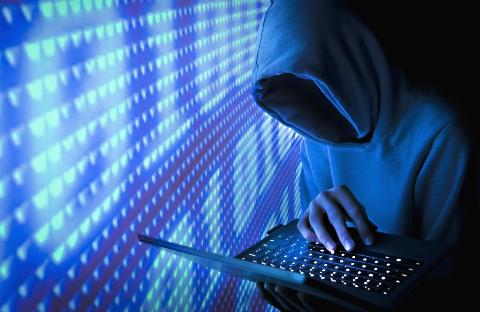معروف ترین هَکِرهای دنیا چگونه یک شبه مولتی میلیاردر شدند؟/ از سرقت ده میلیون دلاری تا دزدی اطلاعات تسلیحاتی و نظامی/ این هفت نفر رابین هودهای اینترنتی دنیا لقب گرفتند