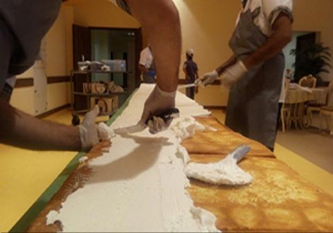 کیک یک تنی در مشهد تولید شد