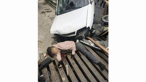 عکس: زورگیر قمه کش زیر چرخ های زانتیا جان داد