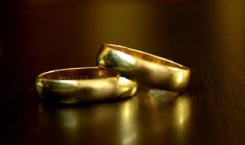 فیلم مراسم ازدواج پسر عاشق پیشه با عروس مُرده