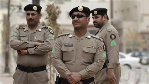 اقدام وقیحانه پلیس سعودی با جوان ایرانی!