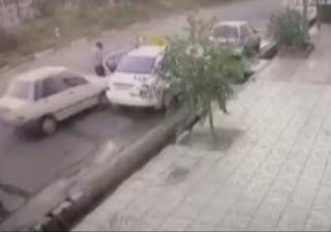 فیلمی از تصادف وحشتناک یک پراید با عابر پیاده در تهرانپارس