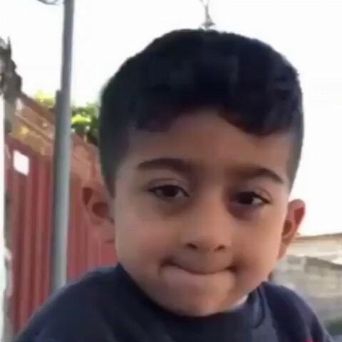 اجرای آهنگ بخشش از حمید صفت توسط امیر عباس، کودک معروف مازندرانی