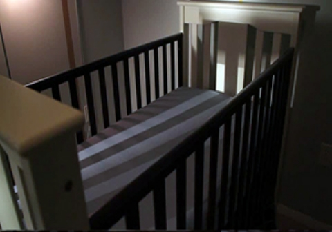 فیلمی ترسناک و تکان دهنده از اتاق خواب یک نوزاد (18+)