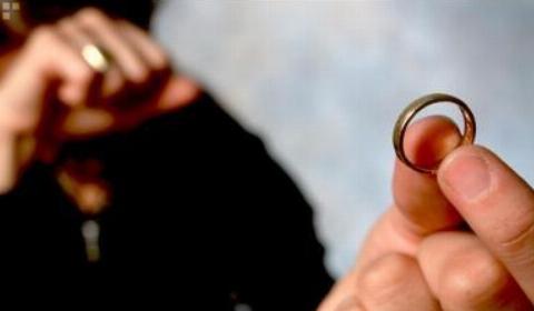 شکم گنده داماد تهرانی بهانه طلاق تازه عروس بعد از 24 روز زندگی مشترک!