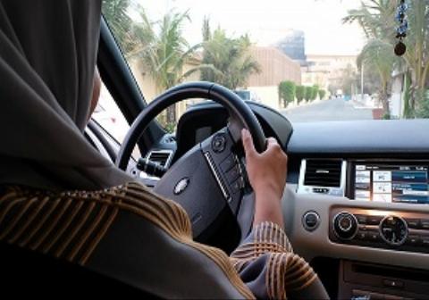 حمله وحشیانه مردان سعودی به زنان راننده/فیلم