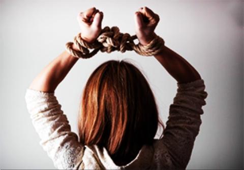 هزاران دختر فقیر، قربانی پر سودترین تجارت در جهان