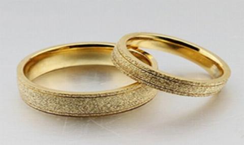 حرکت غیرمنتظره عروس و داماد، اشک مهمانها را درآورد