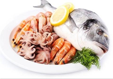 غذاهای زنده دریایی در ظرف کره ای ها  تکان میخورند/زنده خواری مردم در کره جنوبی