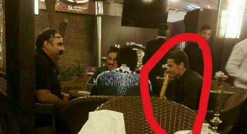 دورهمی به صرف قلیان؛ عکس مدافع تیم ملی ایران و دو بازیگر تلویزیونی در یک کافه رستوران