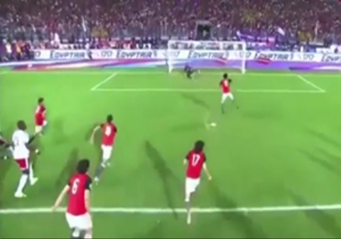 خوشحالی زایدالوصف پیرمرد مصری از صعود تیم فوتبال کشورش به جام جهانی /فیلم