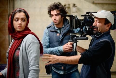 تاخت و تاز روزنامه معروف به اصغر فرهادی: فیلم های ایشان همسو با اهداف دشمن است
