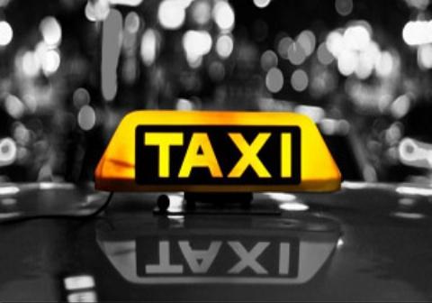 حرکت غیراخلاقی  راننده تاکسی با یک زن در اصفهان/فیلم