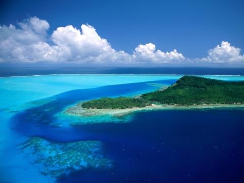 اقدام جالب یک مرد برای نجات از جزیره متروکه + فیلم
