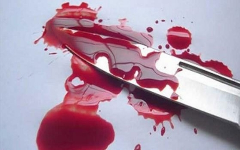 لحظه هولناک حمله شمشیرزنها به یک داروخانه + فیلم
