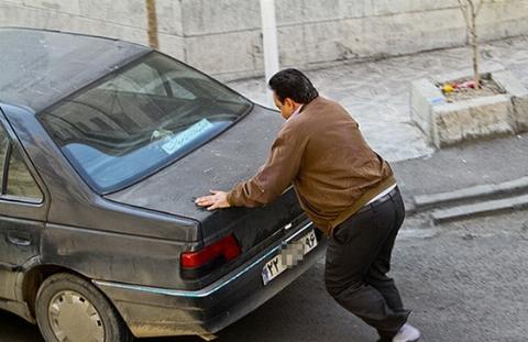 دیگر به خانم های باردار رحم نکنید/ دزدی ماشین با کمک زن باردار!