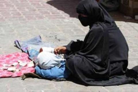 گدایی و دزدی 37 پسر که خود را به شکل دختر درآورده بودند
