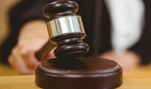 آمریکایی مسلمان با بخشش قاتل پسرش اشک قاضی را هم درآورد + فیلم