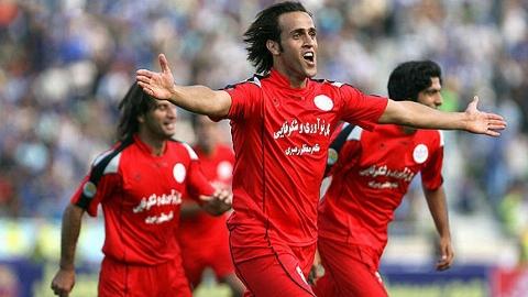 تنها ایرانی ای که رونالدینیو و زیدان را به چالش کشید/ علی کریمی: فوتبال جای امثال من نیست/ با ستاره یاغی دنیای فوتبال بیشتر آشنا شوید