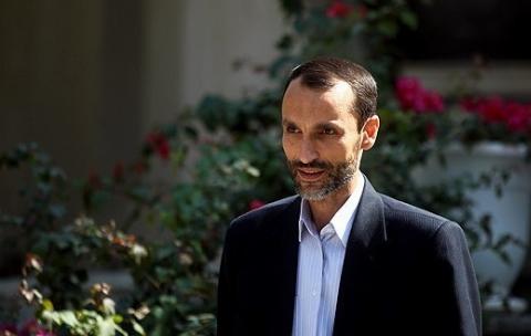 دخیل بستن حمید بقایی به حرم حضرت عبدالعظیم حسنی (ع)؟!/ آقای حاشیه به دادگاه نرفت