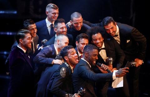خوش استایل ترین پسران دنیا، گرانقیمت ترین جایزه فوتبالی را تصاحب کردند/ شب درخشش رونالدو، بوفون و زیدان روی فرش قرمز لندنی ها