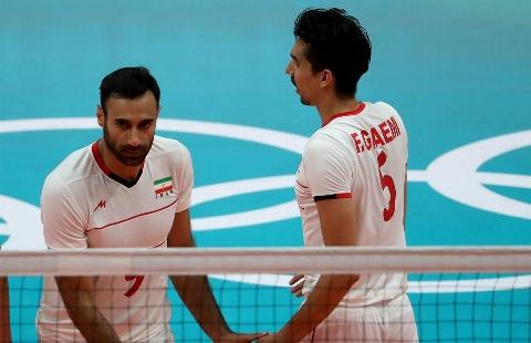شوخی بازیکن های تیم ملی والیبال ایران با آهنگ «شوخی مگه» حمید هیراد + فیلم