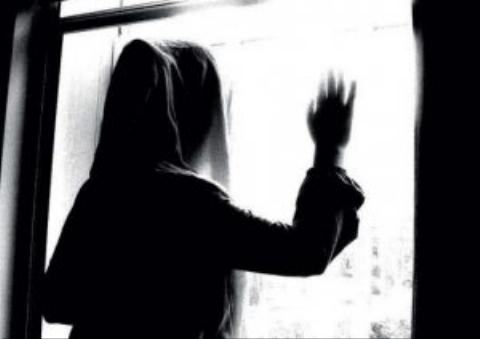 گفتگو با مادر ودختری که پیشنهاد ارتباط می دادند و مردان پولدار تهرانی را در خانه اسیر می کردند و ..!