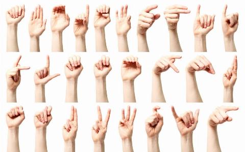 هشدار جدی به آقایان: زن ها از این حرکت دست شما متنفرند/ جلوی خانم های نامحرم مواظب حالت هایتان باشید/ آموزش حرکت دست و بدن توسط پویا ودایع