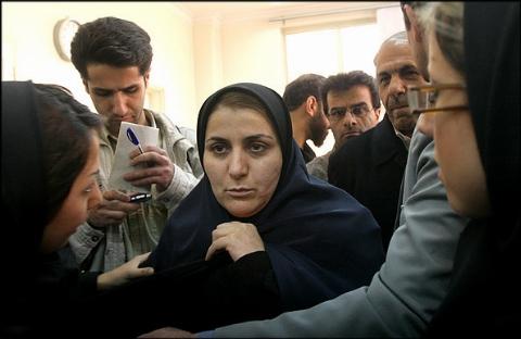 همسر ناصر محمدخانی اشتباه اعدام شد؟!/ بازگشایی پرونده شهلا جاهد پس از 7 سال