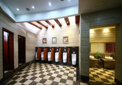 توالتهای ایستاده در یک مجتمع تجاری بزرگ تهران! + فیلم