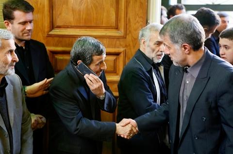 احمدی نژاد، بُت آقایان نماینده مجلس!