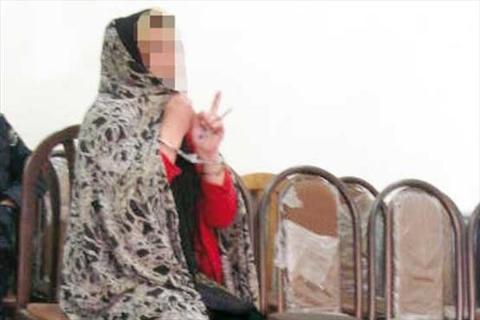 رابطه مشکوک زن مطلقه و دختر 16 ساله/ دخترک قربانی دوستی با پسر موتورسوار شد