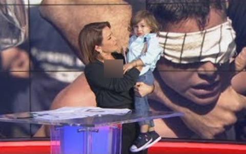 پسر بچهای که برنامه تلویزیونی را به هم ریخت +فیلم
