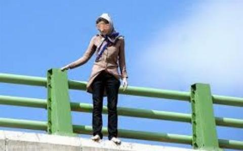 خودکشی دختر اصفهانی از روی پل چمران/این پل ماه گذشته محل خودکشی 2 دختر بود+ فیلم تکاندهنده