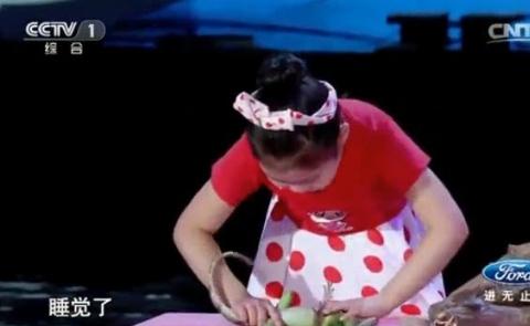 توانایی خارقالعاده دختربچه چینی در هیپنوتیزم حیوانات + فیلم