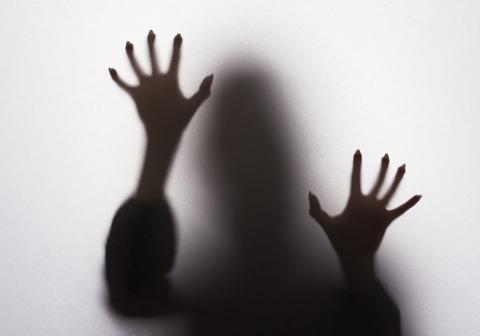 فرار زن روانی و قاتل از آسایشگاه، کودک دوماهه اش را تا مرز مُردن برد