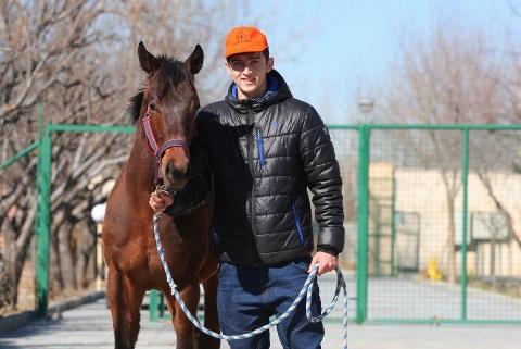 اسب، دلیل گل نزنی آقای لژیونر!/ تلفن هایی که داد مجله روسی را درآوردند