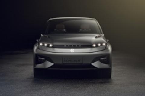 فیلم | خودروی الکترونیکی چینی که از انسان هوشمندتر است