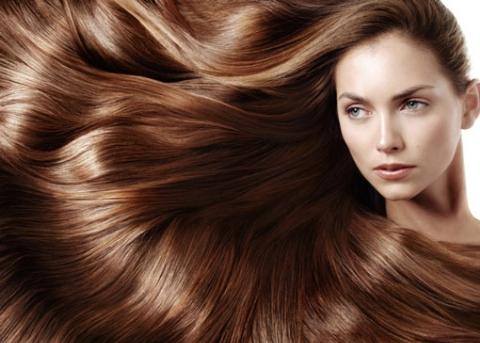 قدرت عجیبی که در موهای دختر جوان نهفته است! +فیلم