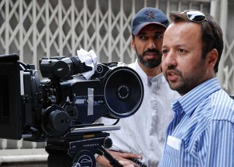کارگردان معروف ایران: گفتند دو بازیگر زن فیلمت را همجنس باز نشان بده تا در جشنواره خارجی جایزه بگیری/ از فرهادی بهتر در ایران زیاد است