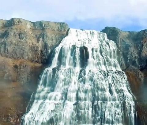 آبشار دینیاندی از زیباترین و  رویایی ترین جاذبههای خلقت/فیلم
