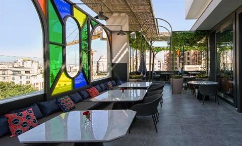منحصر به فردترین رستوران ایران با دیزاینی مُدرن و خارق العاده/ ایرانی ترین رستوران ایران منقش به شاهنامه و فرهنگ اصیل ایرانی؛ این رستوران شما را به 1000 سال قبل می برد/ دکوپلاس تقدیم می کند