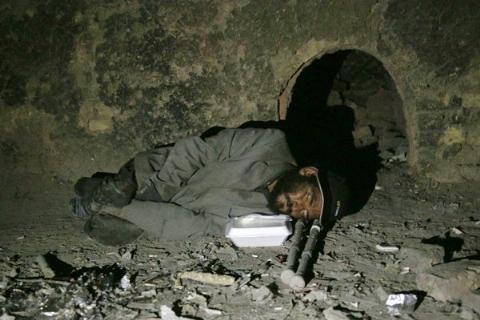 کارتن خوابی نابغه ایرانی سوژه رسانه ها شد