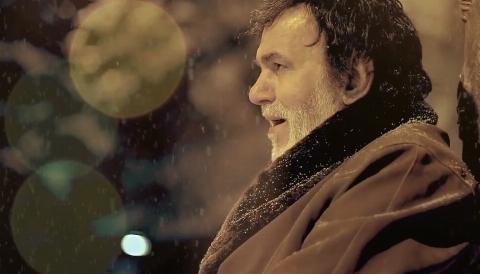 """موزیک ویدیو زیبای مرحوم حبیب از آهنگ خاطره انگیز """" ببار ای برف """"/ از تی وی پلاس بشنوید و دانلود کنید"""