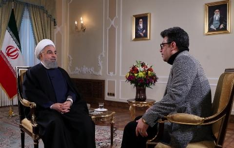 تاخت و تاز کیهان به رضا رشیدپور: مصاحبه رشیدپور با رئیسجمهور، توهین به شعور مخاطب بود