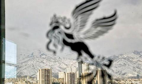 رقابت نیکی کریمی و مهتاب کرامتی در روز دوم سی و ششمین جشنواره فیلم فجر/سعید آقاخانی ای را که تا بحال ندیده اید